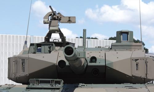 戦闘車正面