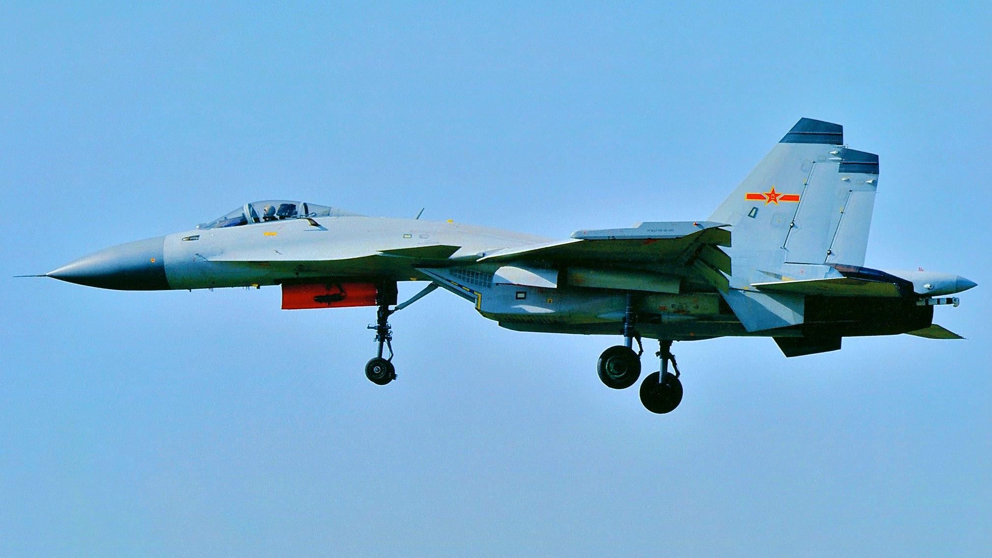瀋陽J-15原型機