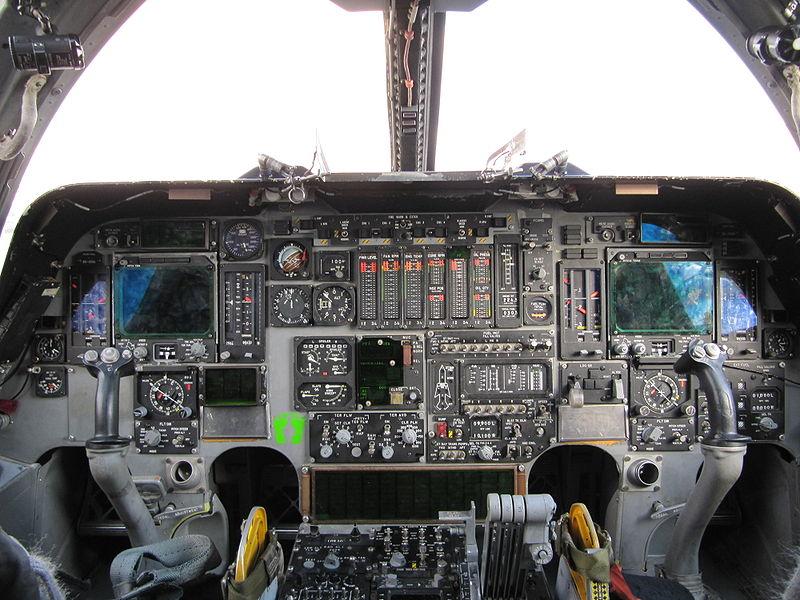 800px-B1_Cockpit