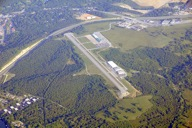 800px-Clark_Taney_Co_Airport_6-1-09_by_KTrimble