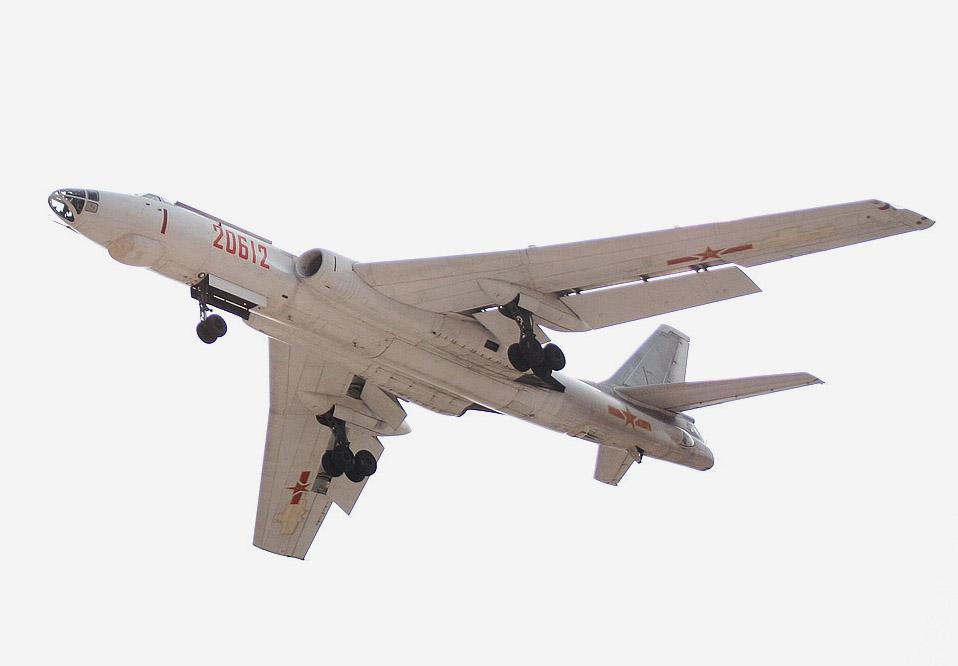 西安H-6爆撃機