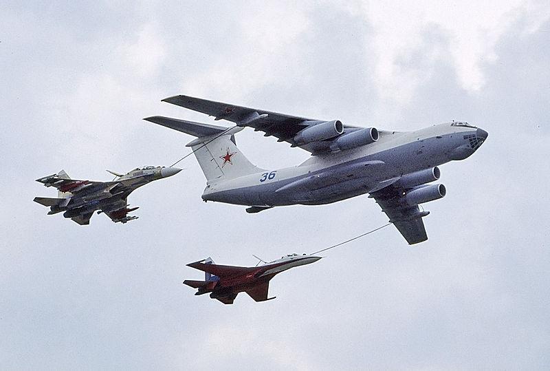 露空軍Il-78Mタンカー