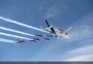 800x600_1401697705_Airbus_Beluga_-_patrouille_de_France_1