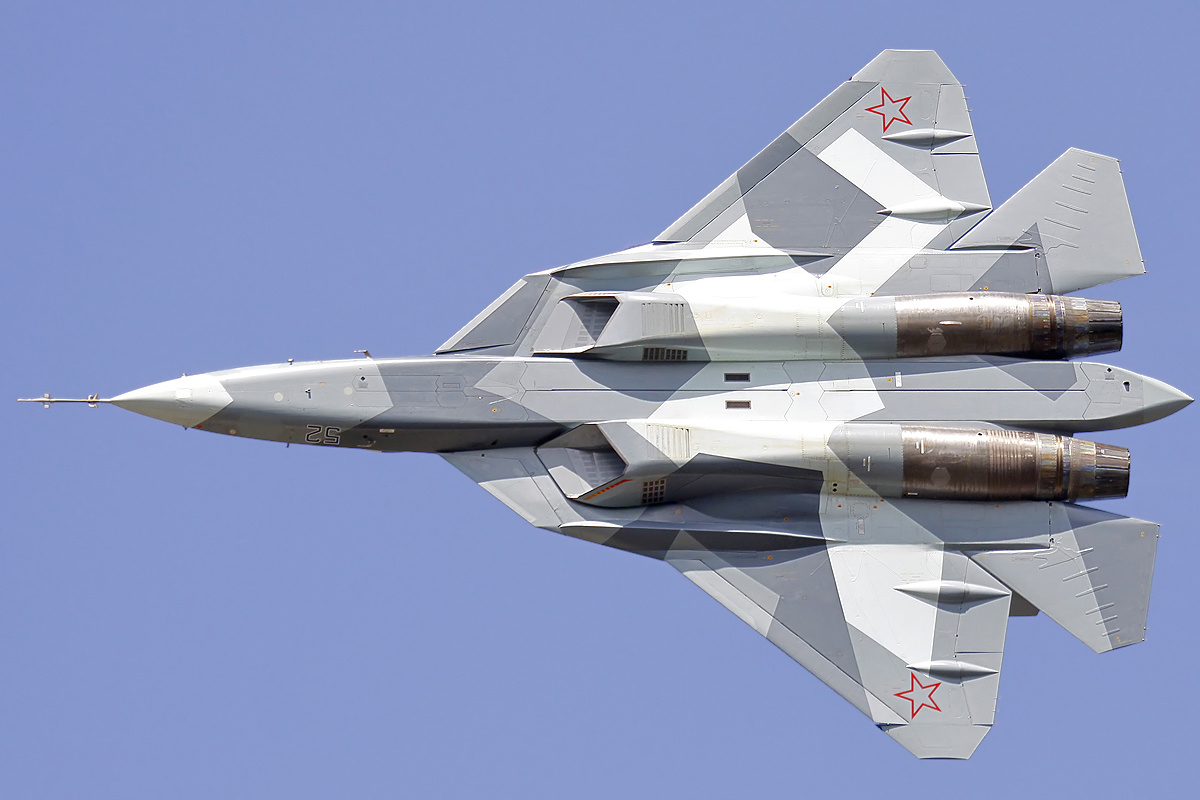 Sukhoi_T-50_in_2011
