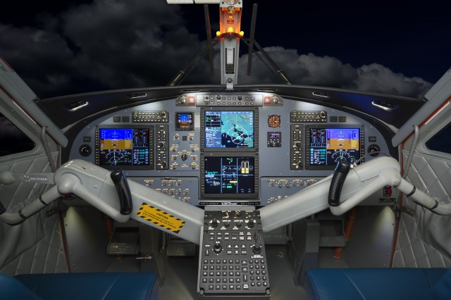 Viking-4-Flight-Deck-640x426