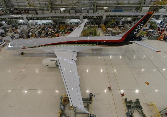 MRJ90長大な主翼
