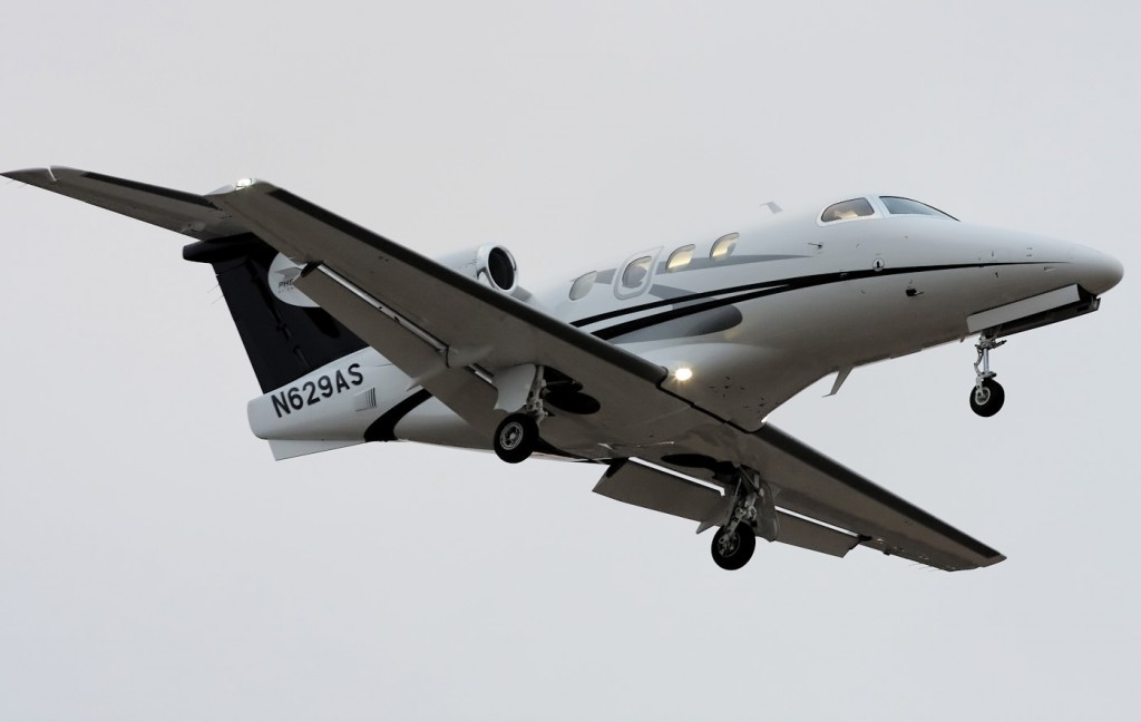 Private_-_Embraer_Phenom_100_-_N629AS_(26_365)_(4307175681)