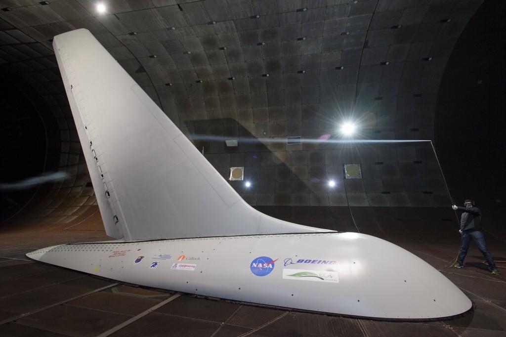 垂直尾翼風洞試験