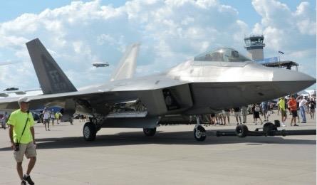 F-22オシュコシュ