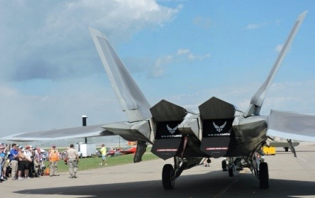 F-22尾部
