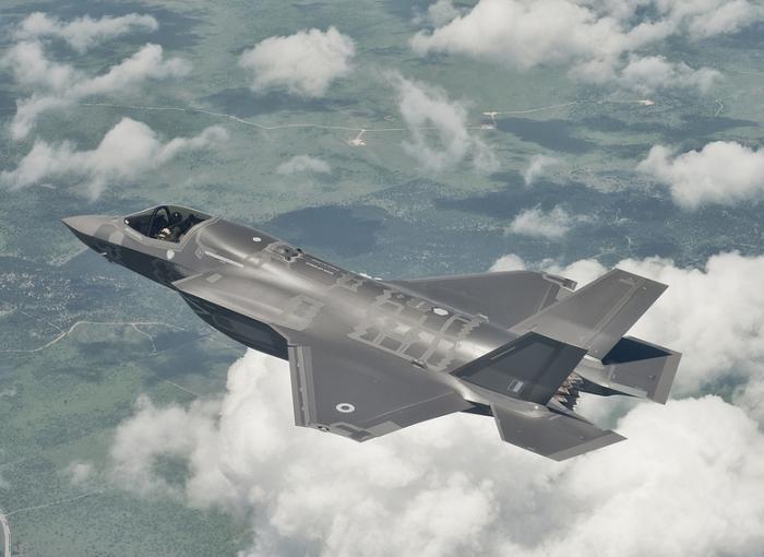 英向けF-35B