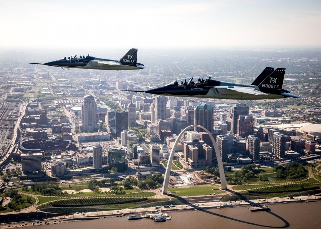 セントルイス上空のT-X