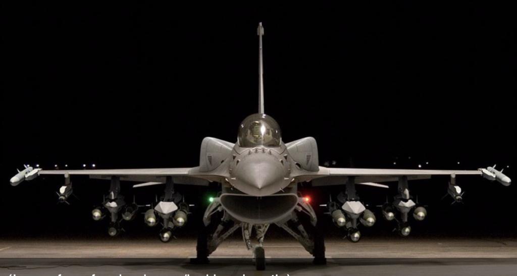 F-16 V正面