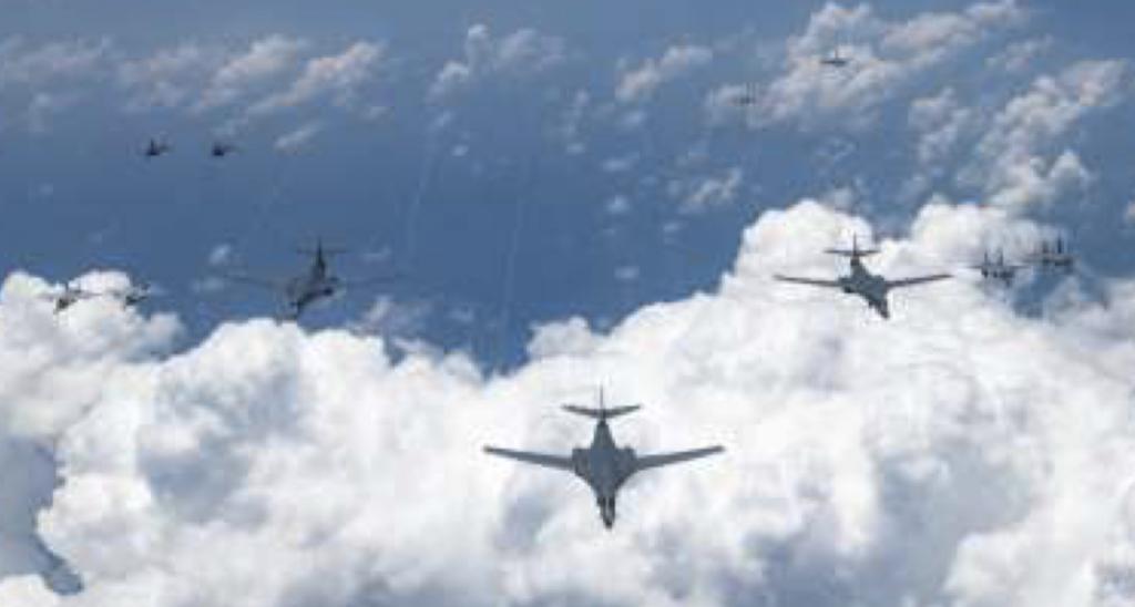 08-18空自機20機、米機19機
