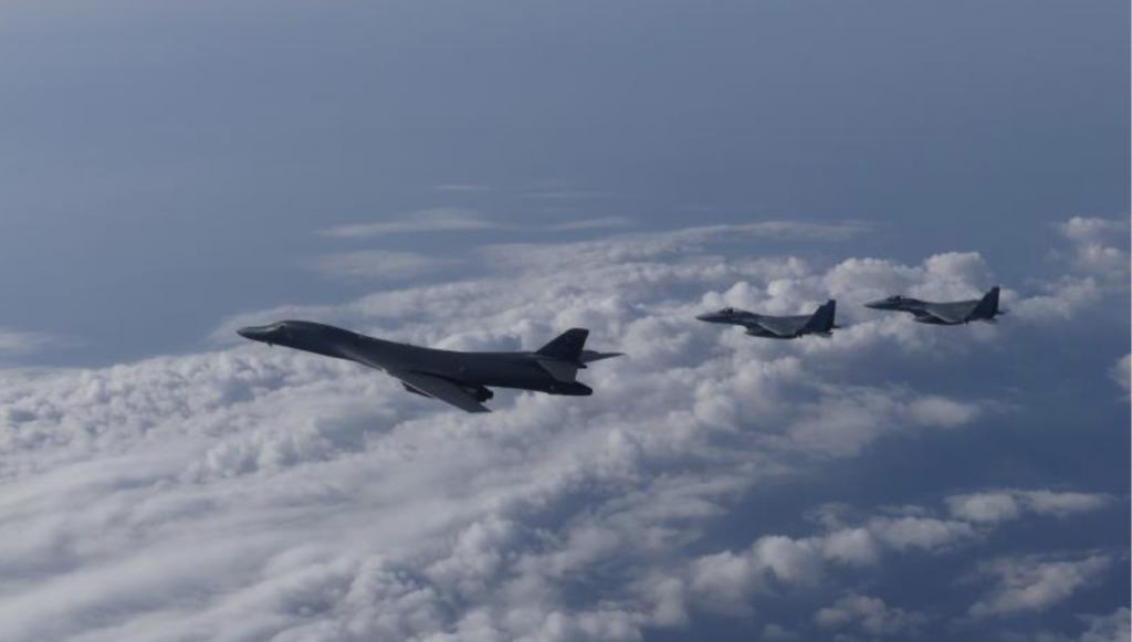 10-20 B-1とF-2