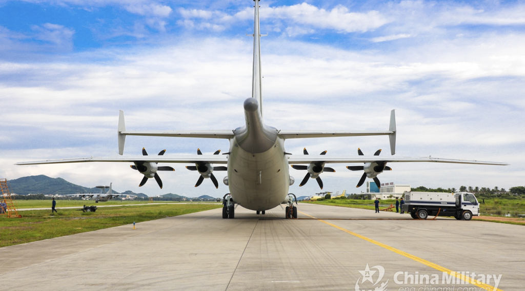 中国Y-8対潜哨戒機