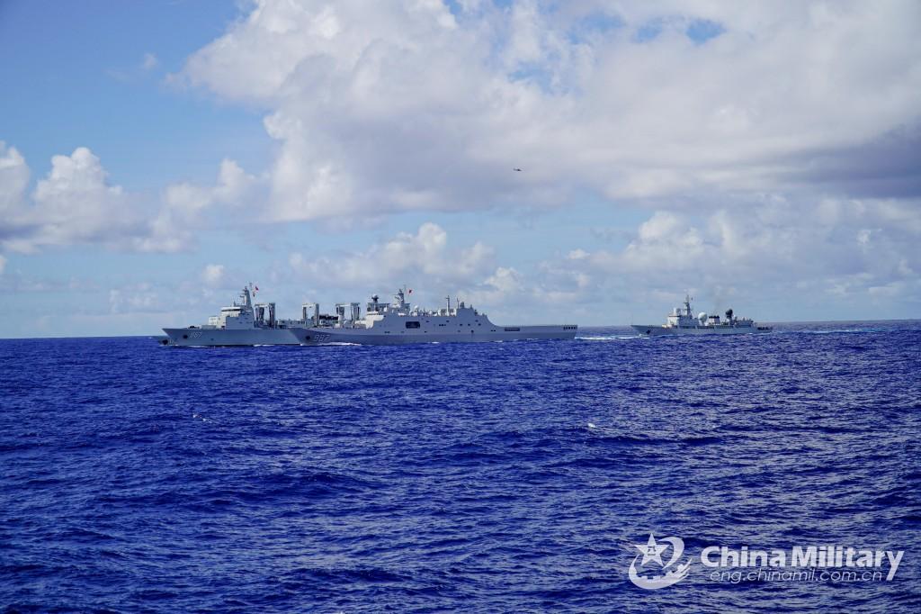 03-26, 南シナ海で実弾射撃演習