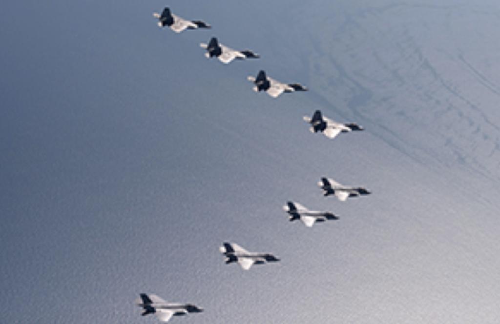 4-2空自F-35とF-22