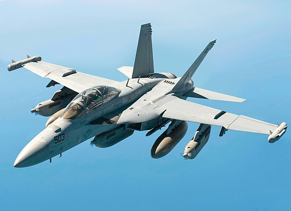 600px-U.S._Navy_EA-18G_Growler_breaks_away_from_a_U.S._Air_Force_KC-135_(altered)